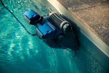 Un robot pour nettoyer sa piscine